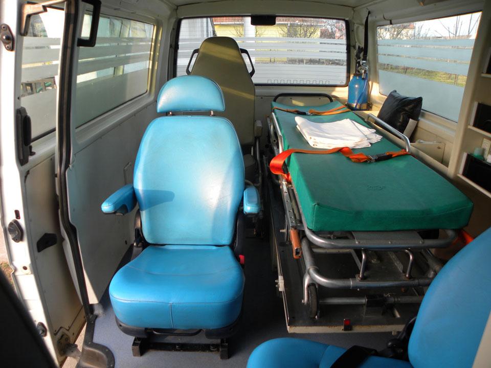 Sanitetski prevoz pacijenata SOS MEDIC Surčin - Biznis group